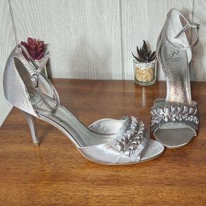 EUC Adrianna Papell high heeled ruffled shoes sz11